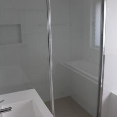 Chrome-Framed-Shower-Screen15
